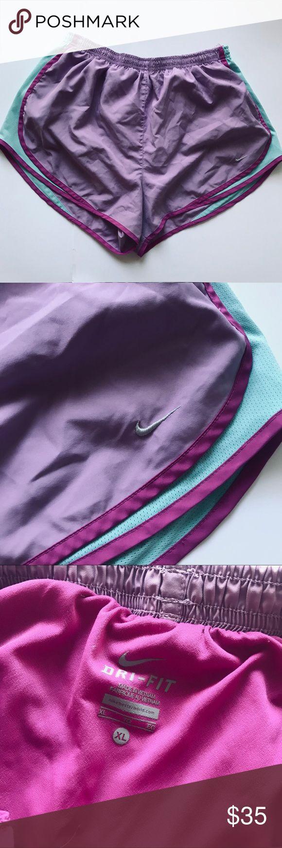 Nike-Shorts Diese Nike-Shorts sind lila und blau und in gutem Zustand. ICH…   – My Posh Picks