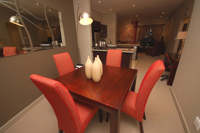 Three Bedroom Cluster Dining.     http://www.eahs.co.za/establishments/villa