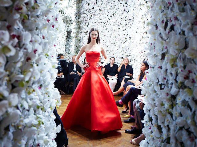 archiverdure: Una cascata di fiori: Christian Dior e Bureau Betak