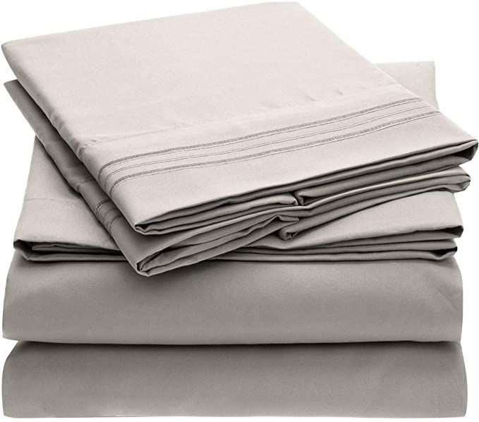 Amazon Com Mellanni Bed Sheet Set Brushed Microfiber 1800 Bedding Wrinkle Fade Stain Resistant 4 Piece Queen Yellow Home Kitchen