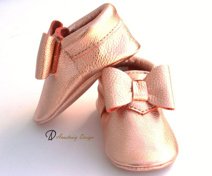 Baby Moccasins Leather Baby Moccasins Rose Gold Bow Leather Baby Moccasins Baby Girl Moccasins Toddler Moccasins Baby Girl Shoes by AnastasiyDesign on Etsy https://www.etsy.com/listing/480496061/baby-moccasins-leather-baby-moccasins