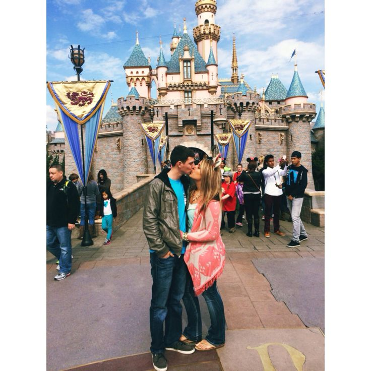 Best 25+ Disneyland Couples Ideas On Pinterest