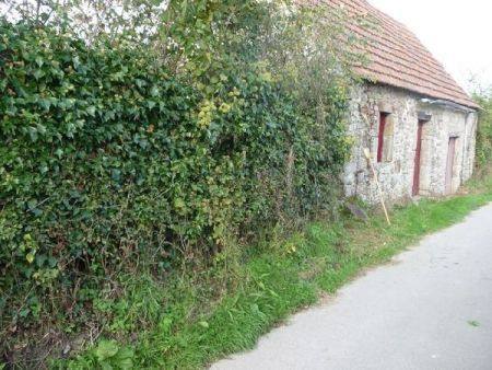 Land for sale in La Glacerie, France : ref axd0058 Couville, batirde land has 425m ² of which 45m ² cottage to renovate...