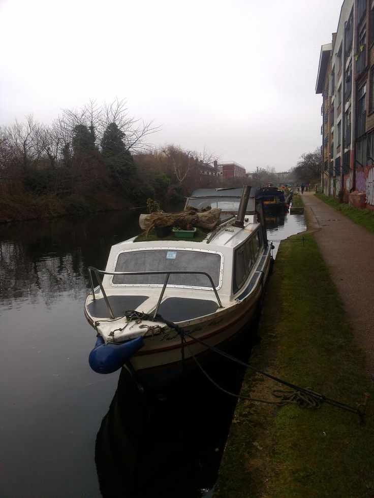 Burland 26 for sale London, Burland boats for sale, Burland used boat sales, Burland Motor Boats For Sale SOLD STC - 26'GRP canal cruiser project boat London - Apollo Duck