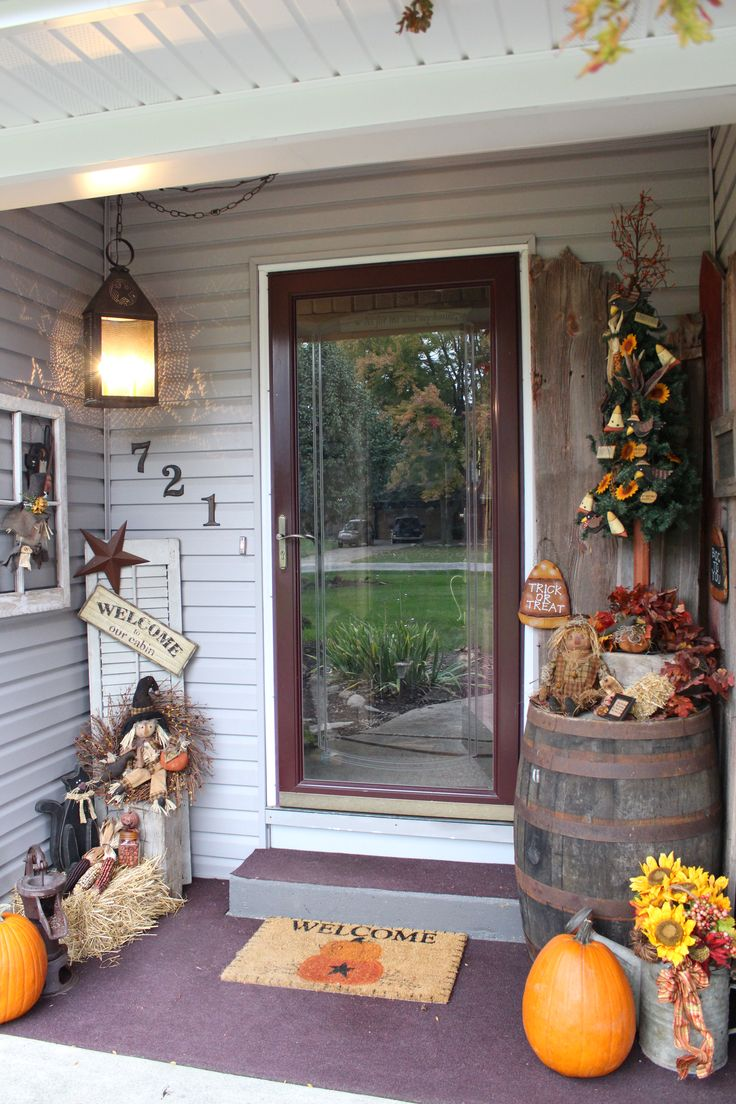 best 25 primitive fall decorating ideas on pinterest fall entry ideas small tree on table decorate for the season larger items opposite of door knob