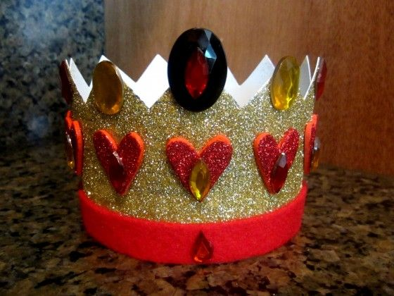 Queen of Hearts crown ,but make it with higher points.