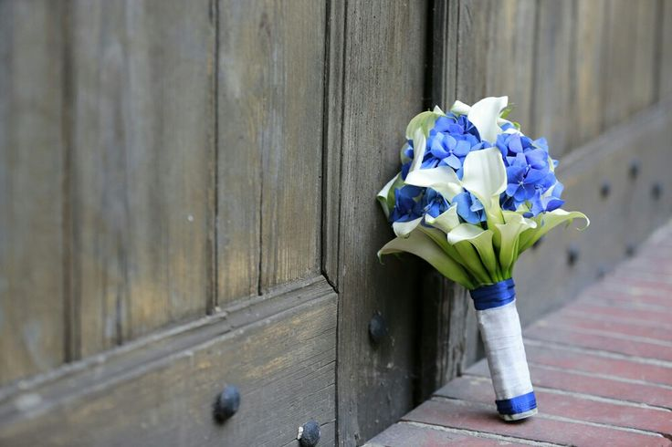 #Brautstrauss Calla / Hortensie # Bridal bouquet Calla /Hydrabgea # Farbe blau / weiß # colour blue / white # created by Karsten Flöter  # Foto:www.ka-foto.de