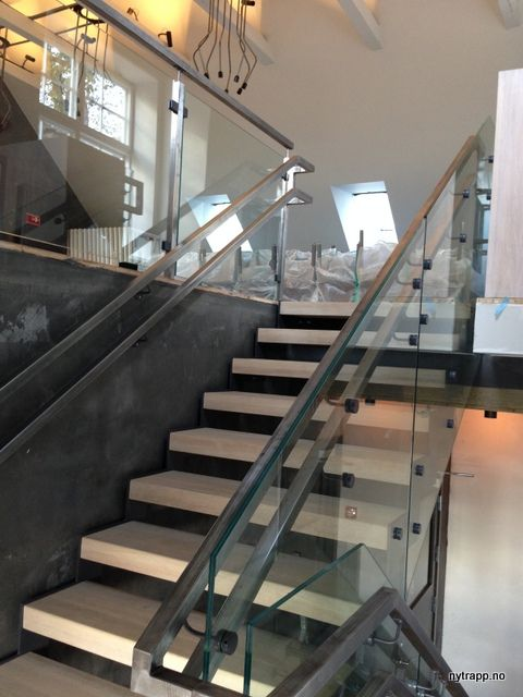 Restaurant festningen | ovatrol glass stair