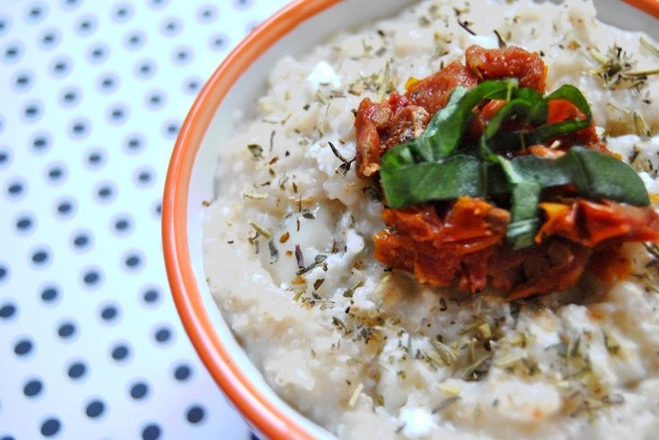 porridge salé au chèvre et tomates confites