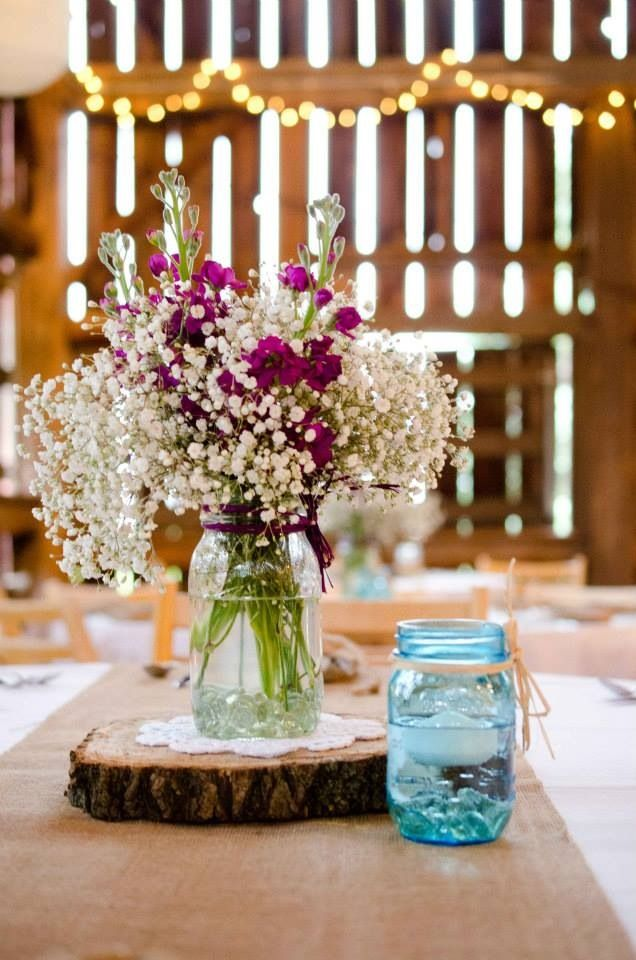 Simple, pretty, and classically rustic! How cute are these centerpieces? #rusticwedding: Barns Candles, Baby Breath In Mason Jars, Wood, Centerpieces Decor, Rustic Table, Candles Centerpieces, Rustic Centerpieces, Trees Slices, Mason Jars Baby Breath
