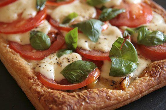 Hartige taart van mozzarella, Droomtomaten en geroosterde paprika