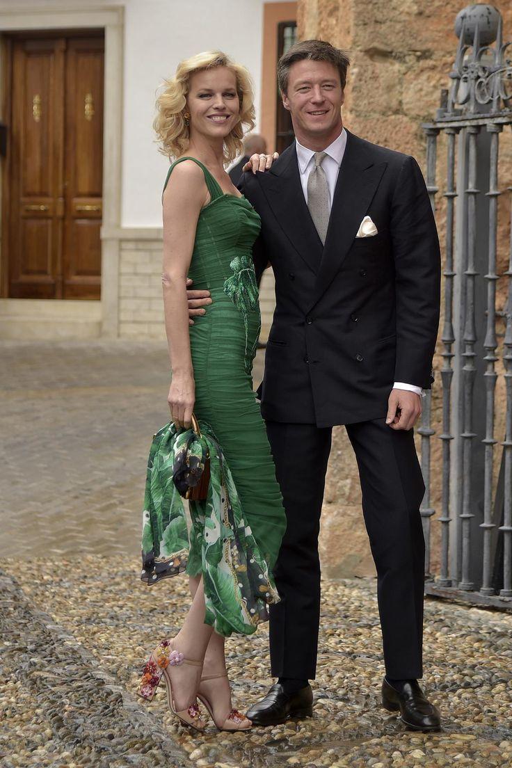 Todas las fotos de la boda del año: la de Alejandro Santo Domingo y Lady Charlotte Wellesley - Eva Herzigova y su marido, Gregorio Marsiaj   Galería de fotos 16 de 87   Vanity Fair