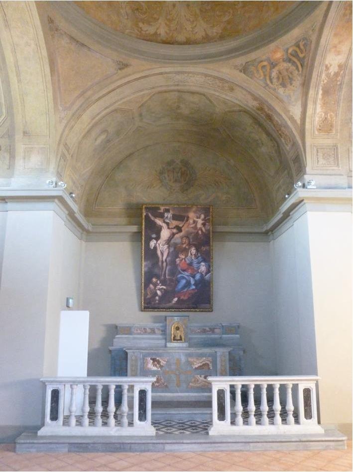 l'abside a restauro ultimato con la copia del dipinto riposizionata