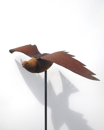 Be in to WIN this Totara Kereru by new Zealand sculpture Mark Dimmock! Visit our website to enter the draw.