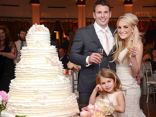 Jamie Lynn Spears with her new husband Jamie Watson and her daughter Maddie ...and the 5 tiered wedding cake from The Cocoa Bean in New Orleans