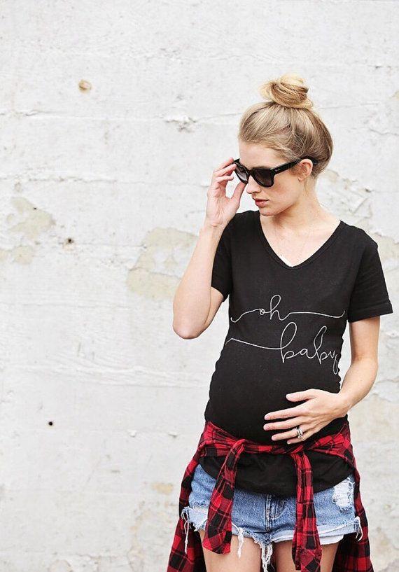 KOSTENLOSEN Standardversand auf $49 oder über (nur USA). Code: SHIPONUS Wie süß wird Ihre kleine Pfeil-Beule in der extra lange Oh Baby Mutterschaft Shirt aussehen. Trendy, super bequem und lang genug, um das Bauch-Liebling zu halten und in jeder Phase der Schwangerschaft bezogen.