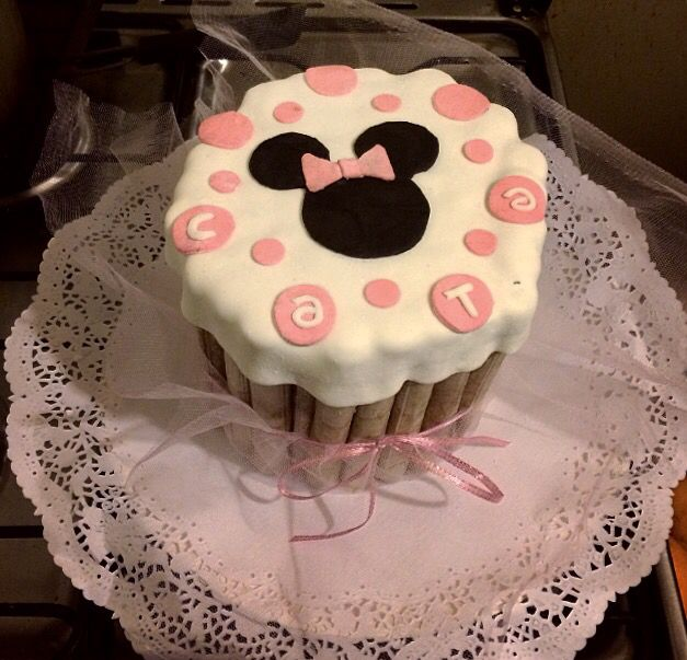 Torta minnie cuchuflis