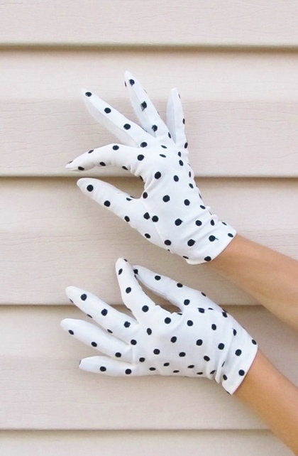 Vintage 1950's DALMATIAN DOT Wrist Gloves by JLVintage on Etsy - StyleSays