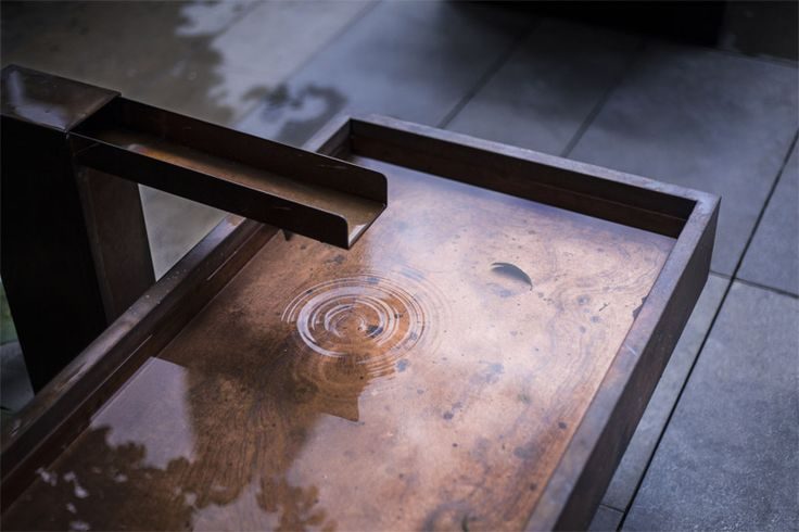 water sculpture gives a calming effect while water drops create harmonious ripples