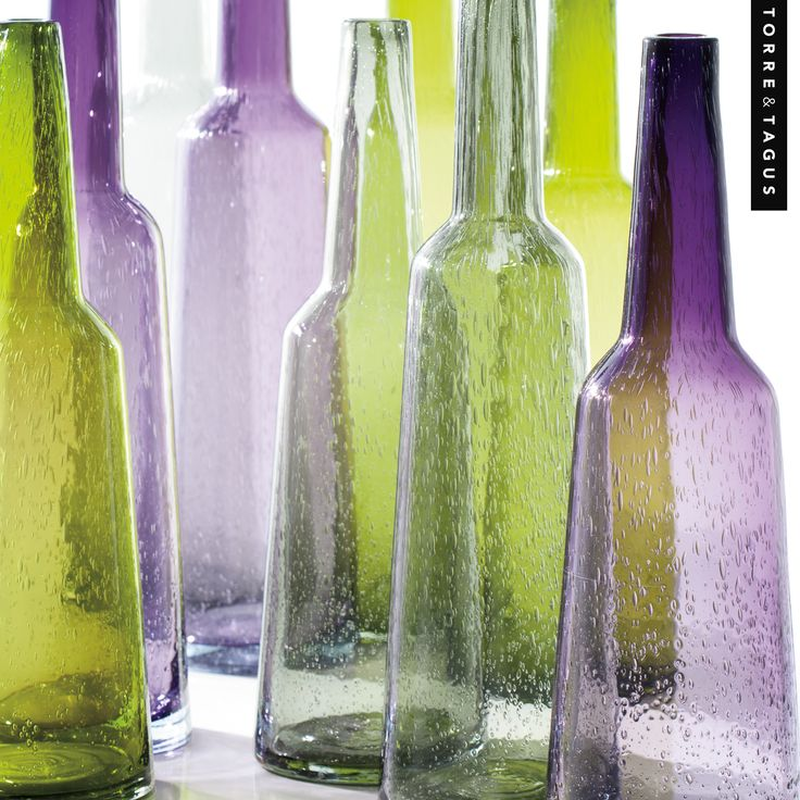 A touch of lime green or refreshing lavender will give any room a clean, fresh look. To easily achieve this just incorporate a few stunning Tower Glass Vases. #TorreAndTagus #ColourYourHome #GlassVase #HomeDecor www.torretagus.com