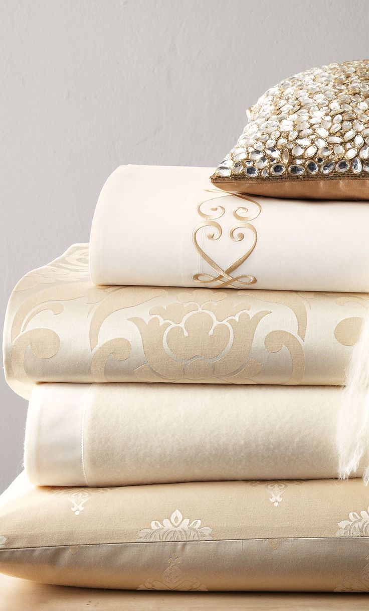 ~Fino Lino 1000 Thread Count Linen and Lace Bedding ~ beautiful neutrals | The House of Beccaria#