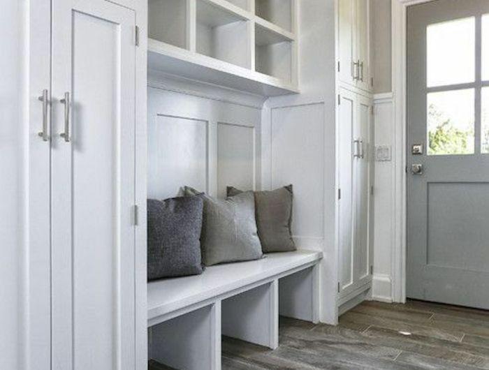 les 25 meilleures id es de la cat gorie couloir gris sur. Black Bedroom Furniture Sets. Home Design Ideas