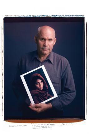 Steve McCurry. Joven afgana, Peshawar, Paquistán, 1984.. Foto: Tim Mantoani