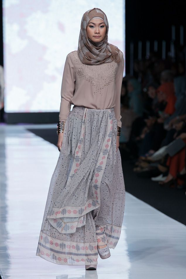 78 Images About Indonesia Hijab Style On Pinterest Fashion Weeks Models And Fashion Week 2016