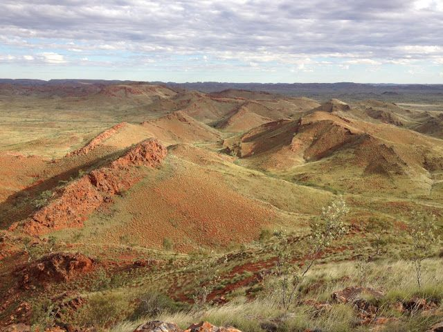 Oldest evidence of life on land found in 3.48 billion-year-old Australian rocks. Fossils discovered by University of New South Wales (Australia) scientists in 3.48 billion year old hot spring deposits in the Pilbara region of Western Australia have pushed back by 580 million years the earliest known existence of microbial life on land.