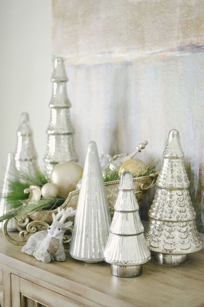 Christmas Designer Tip: There are so many ways to do Christmas, and no wrong way. But if you are feeling stuck on which direction to go, start with the bones of your home: What staple colors, pieces of furniture, and feelings does your home exude? Build upon those colors and mood. Doing so will afford you more opportunities to incorporate every-day items into your decor. #ChristmasDecor #Christmas Gatehouse No.1.