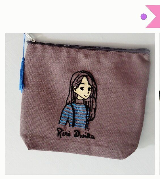 "16 Likes, 1 Comments - Peek A Boo Craft (@peekaboo.craft) on Instagram: ""Custom pouch Details : ▪ material : canvas ▪ large size (25x20cm) ▪ inner furing ▪ custom design /…"""
