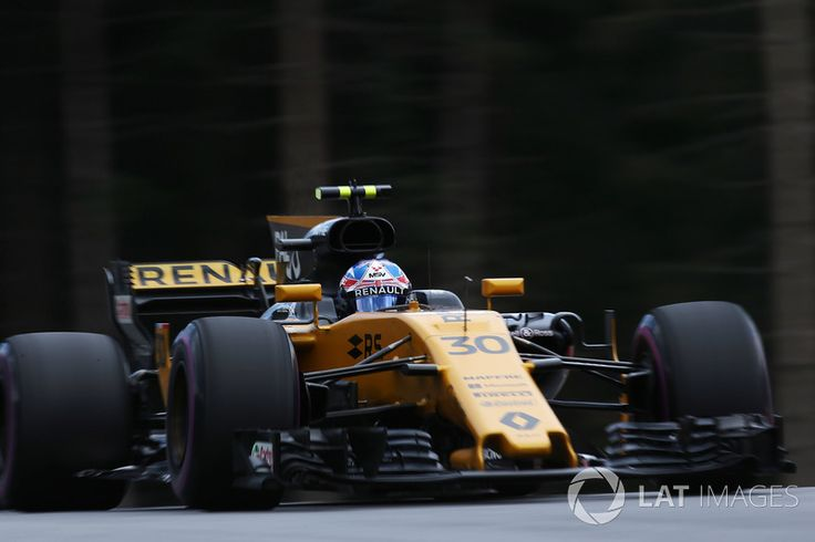 Grid: 16th, Jolyon Palmer, Renault Sport F1 Team RS17