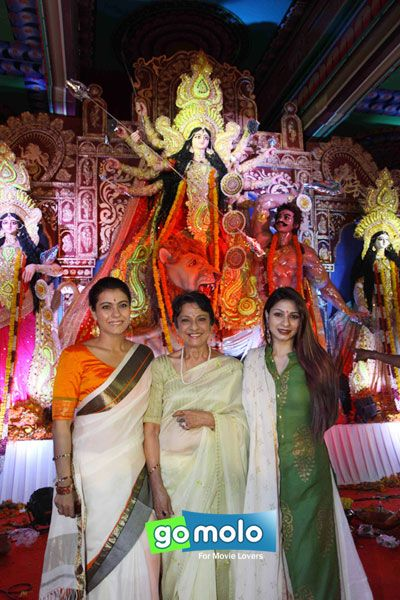 Kajol, Tanuja & Tanishaa at North Bombay Sarbojanin Durga Puja in Mumbai