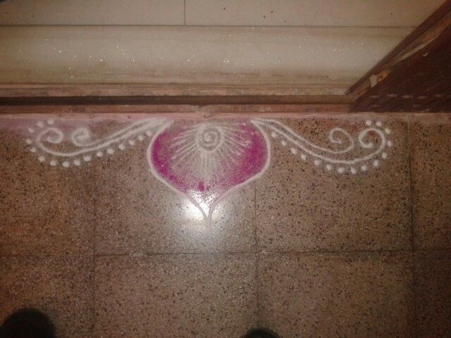 17 best images about rangoli on pinterest design south for Door rangoli design images new