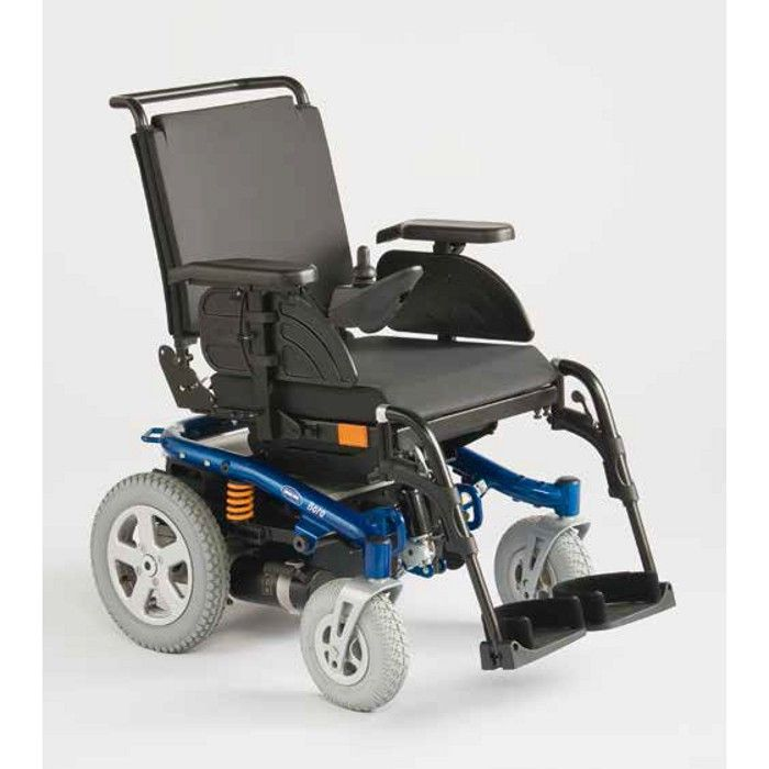 The INVACARE Bora Power Wheelchair, thanks to the SSD motors, undergoes a grater range and better driving results. On sale at Ortaid