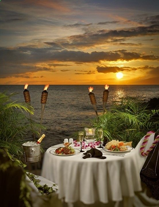 This would be an absolute delight....as long as there was a personal waiter and we were having fresh steamed and pulled Lobster and wine!!  Romantic summer dinner