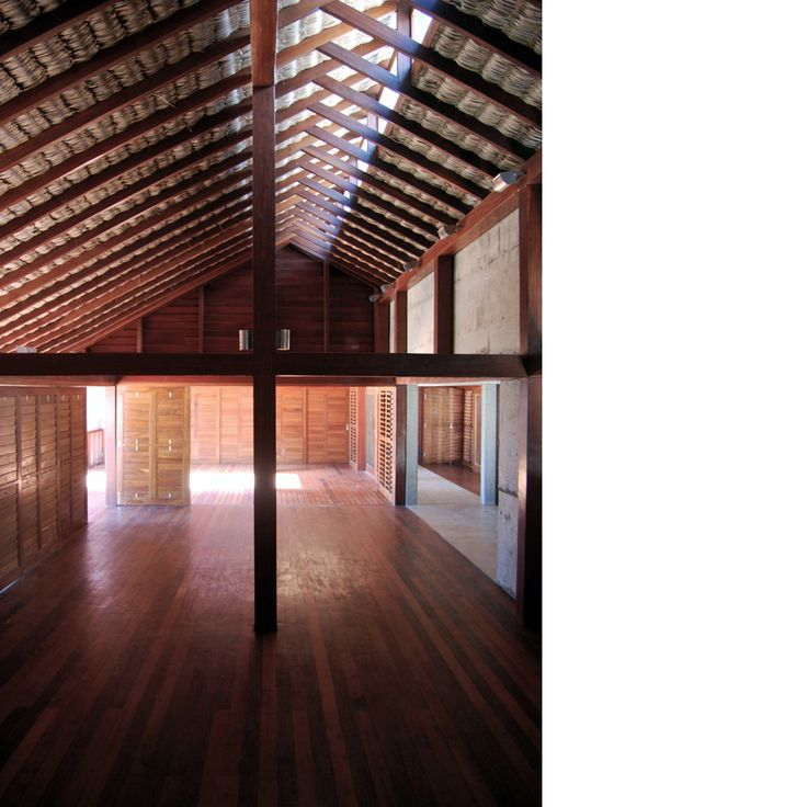Behbahani Hall Architects / Beach House Preà, Brazil / Light and shadow, palm thatch roof, rooflight, sliding timber shutters, timber deck