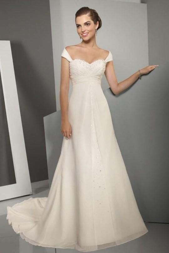 Свадебные платья для девушек с маленькой грудью - http://1svadebnoeplate.ru/svadebnye-platja-dlja-devushek-s-malenkoj-grudju-3644/ #свадьба #платье #свадебноеплатье #торжество #невеста