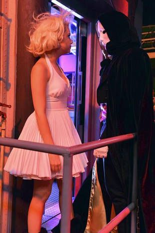 Pretty Little Liars Halloween Special: Hanna and the Masked Man