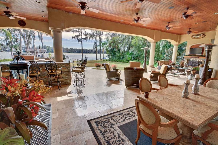 Outdoors Enjoy The Huge Covered Lanai With One Of A Kind