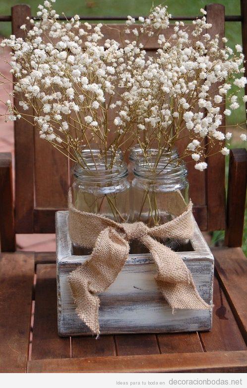 Centro de mesa DIY barato para decorar boda de estilo vintage