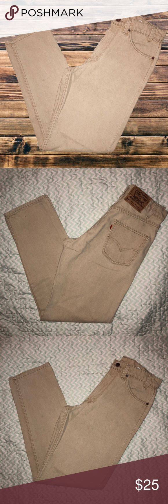 32/32 Levi's Orange Tab Tan Relaxed Fit Jeans Brand: Levi's Levi Strauss & co.  Size: 32/32  Details: preform & perfect mom jeans! Colored tan factory made this way. Saught after mom jean brand. Perfect to distress, make into shorts & uniquely design to fit you! 550. Big orange tab with little e. Does have spot on leg as seen in photos  Condition: Excellent Used  Material: 100% cotton   Feel free to bundle to SAVE! Best offers are welcome! Items are priced with negotiation in mind :) Levi's…