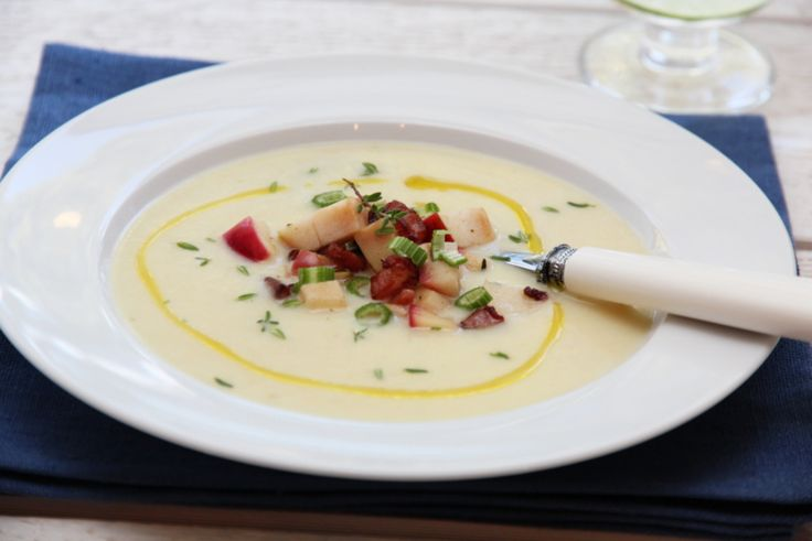 Sellerirotsuppe med eple og bacon
