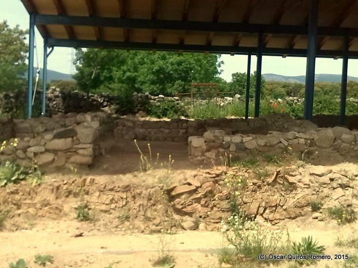 Año 2015: Detalle del Suelo de las Termas, protegido por los arqueólogos por una capa de arenisca.