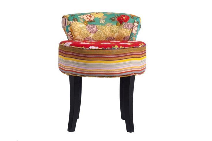 Стиль «пэтчворк» никогда не выходит из моды, особенно если его умело сочетать с другими направлениями в дизайне. Этот стул – не только удобный предмет мебели, но и оригинальная деталь интерьера, которая поднимет настроение всем домочадцам даже в самый пасмурный день. Он отлично будет сочетаться с современным интерьером, самые смелые могут сочетать пэтчворк состилем хай-тек, будет уместен и в гостиной, и на кухне и в детской комнате. Яркие цвета и имитация ручной работы делают этот стул…