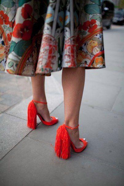 Shoe, skirt
