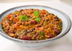 Vegan Quinoa Chili for the Crockpot- quite a few ingredients, but easy prep: Easy Quinoa, Crock Pots, Black Beans, Chilis Recipes, Vegans Quinoa, Healthy Vegetarian Recipes, Healthy Food, Vegetarian Maine Dishes, Quinoa Chilis