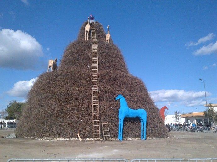 Sarà il giapponese Nagasawa ad occuparsi dell'allestimento artistico della Fòcara 2014. http://www.pugliaglam.tv/news/item/817-sara-il-giapponese-nagasawa-ad-occuparsi-dellallestimento-artistico-della-focara-2014