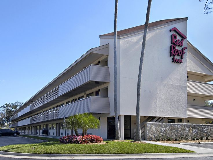 Tampa (FL) Red Roof Inn Tampa - Brandon United States, North America The 2-star Red Roof Inn Tampa - Brandon offers comfort and convenience whether you're on business or holiday in Tampa (FL). The hotel offers a high standard of service and amenities to suit the individual needs of all travelers. Free Wi-Fi in all rooms, 24-hour front desk, facilities for disabled guests, Wi-Fi in public areas, elevator are there for guest's enjoyment. Designed for comfort, selected guestrooms...