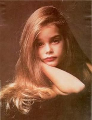 Brooke Shields: Celebrity When Young, Little Girls, Baby Brooks, Long Hair, Brooks Shield Young, Actor Younger, Young Brooks, Celebrity Childhood Photo Com, Brooks Child